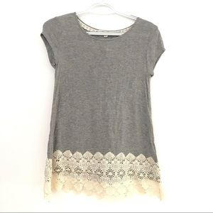 Rewind Womens XS Gray crochet Trim t shirt
